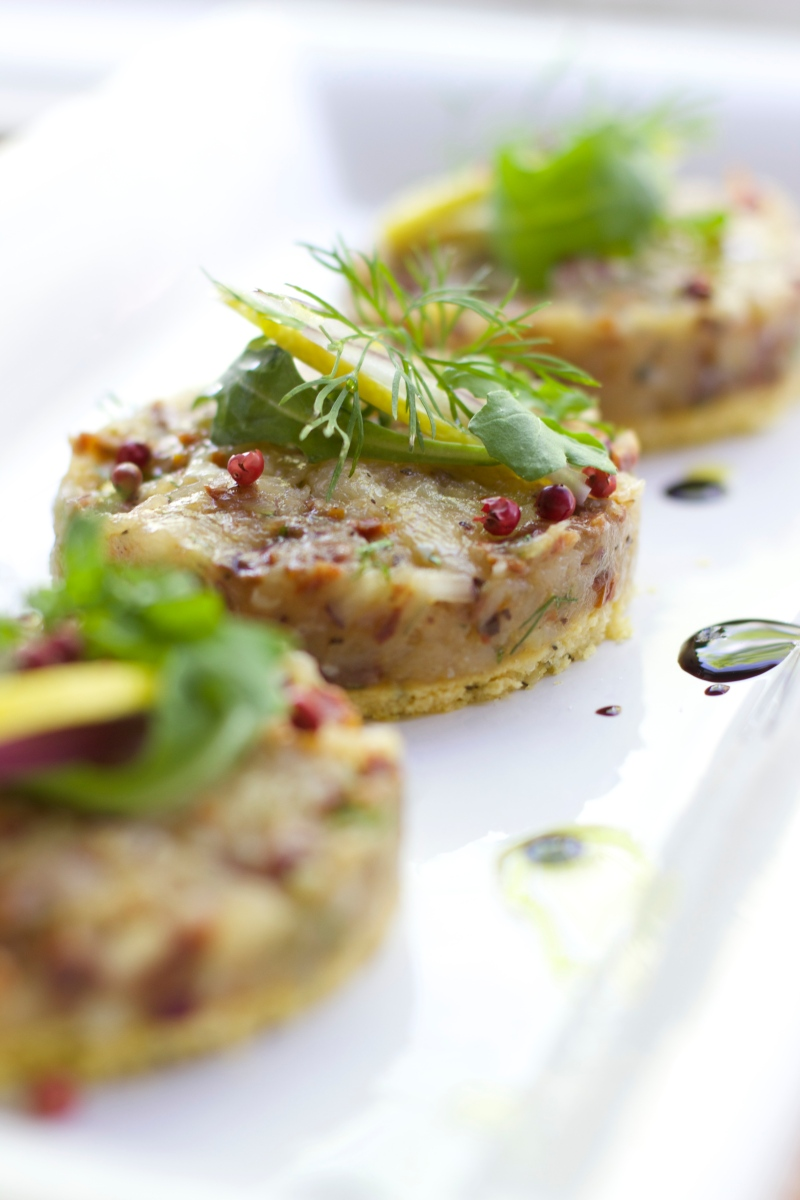 Cod tartare with sun dried tomatoes and onion