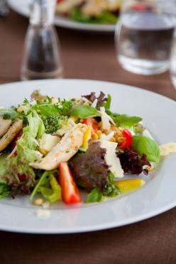 Chicken salad with orange marmalade and pesto