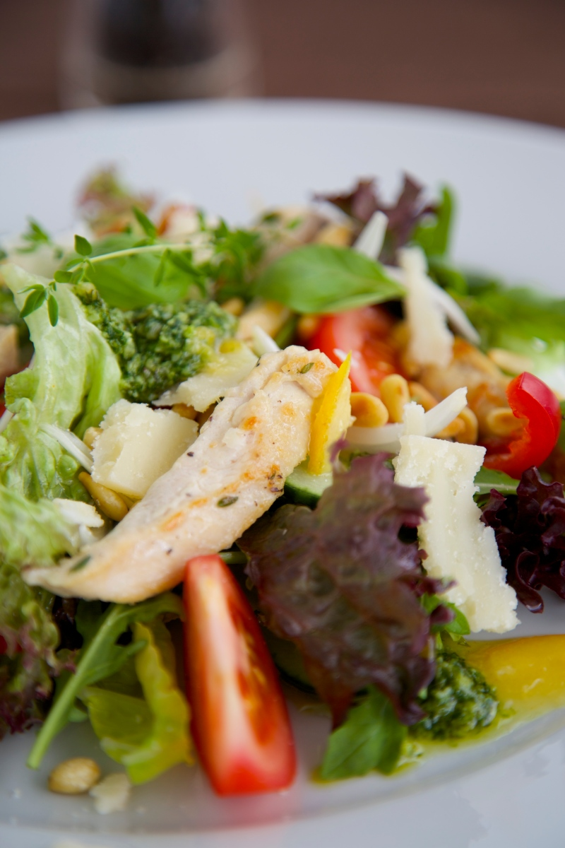 Chicken salad with orange marmalade and pesto