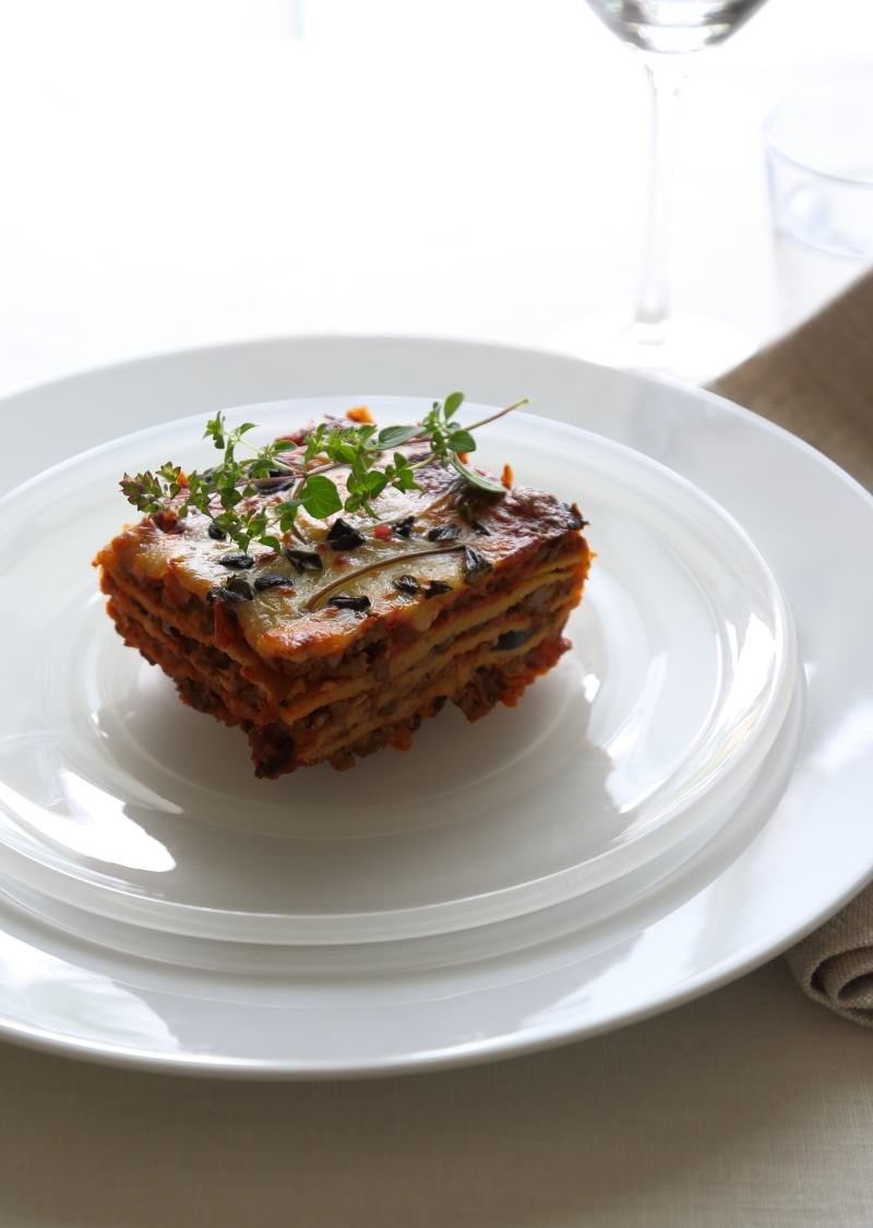 Lasagna with sun dried tomatoes, capers and black olives - Low Carb and Gluten Free