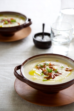 Homemade Cauliflower Soup with Bacon and Truffle oil