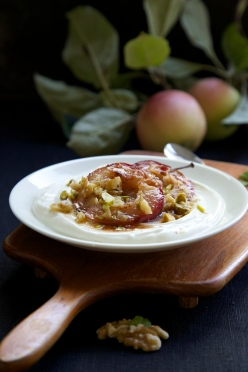 Baked apples, honey, yoghurt and chopped nuts